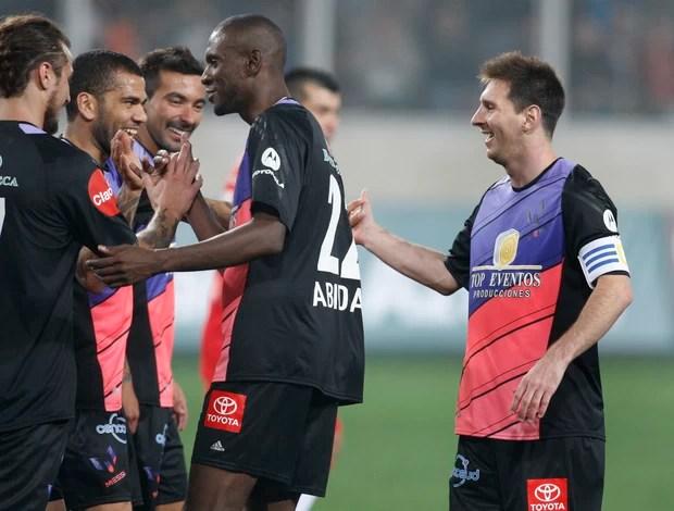 Amigos de Messi x Amigos de Neymar - AP (Foto: AP)