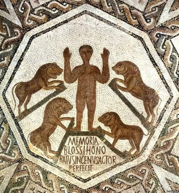 Detalhe de um mosaico mostrando a história bíblica de Daniel na cova dos leões  (Foto: Thinkstock)