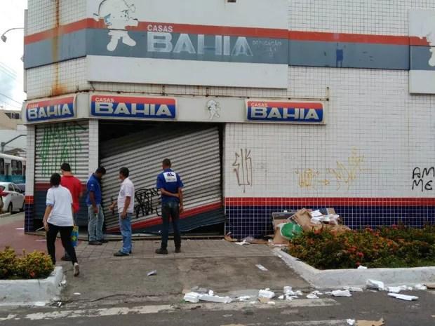 Loja de eletrodomésticos é arrombada no Espírito Santo (Foto: Diony Silva/CBN Vitória)
