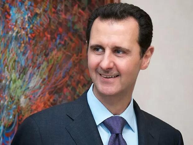 O presidente da Síria, Bashar al-Assad, em foto divulgada nesta segunda-feira (28) pelo governo do país (Foto: AFP)