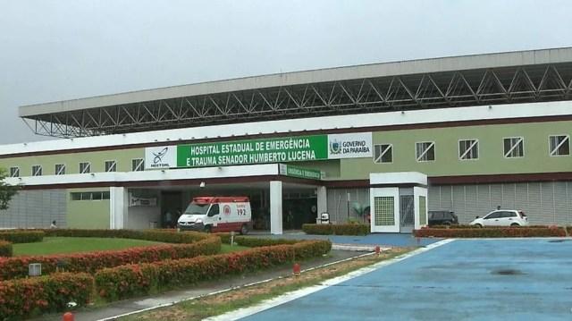 Vítima foi socorrida pelo Samu para o Hospital de Emergência e Trauma de João Pessoa, mas morreu na unidade de saúde — Foto: Reprodução/TV Cabo Branco