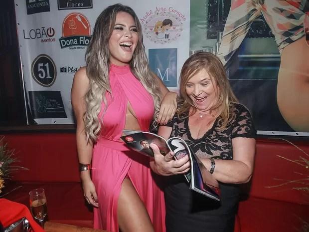Geisy Arruda e a mãe, Maria de Fátima, em festa em São Paulo (Foto: Raphael Castello/ Ag. News)