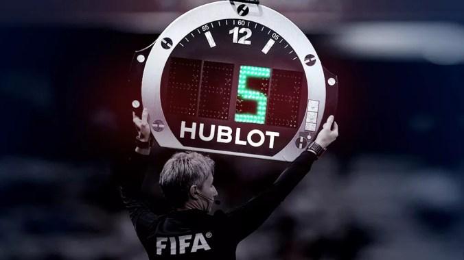 Fifa permite cinco substituições nas partidas realizadas em 2020 — Foto: GloboEsporte.com