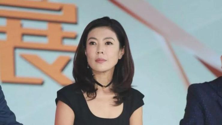 Su Mang é ex-editora da revista sofisticada Harper's Bazaar China — Foto: Getty Images via BBC