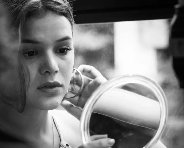 Atriz grava cenas também na cidade de São Paulo (Foto: Raphael Dias/Gshow)