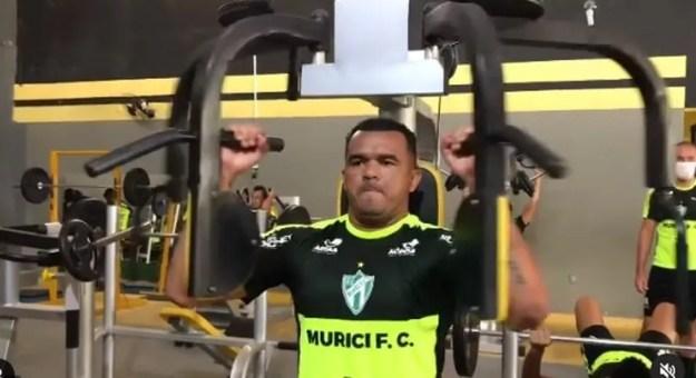 Zé Carlos não é mais jogador do Murici — Foto: Reprodução/Instagram