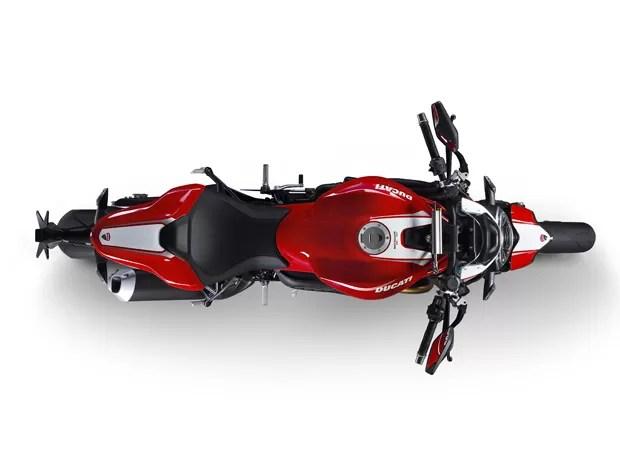 3-02-monster-1200-r - Em meio aos carros da Volkswagen, Ducati apresenta nova Monster 1200 R