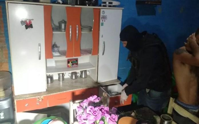 Operação policial prende suspeitos de envolvimento com tráfico de drogas — Foto: SSP/SE/Divulgação