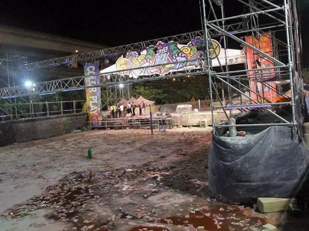 Foto mostra parque depois da explosão que deixou mais de 200 feridos (Foto: AFP Photo)