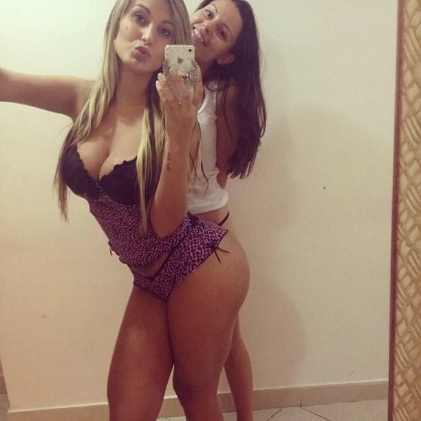 Andressa Urach posa com amiga (Foto: Instagram/ Reprodução)