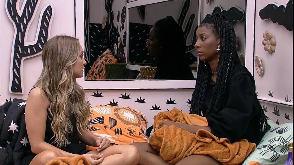 No Quarto Cordel, Camilla de Lucas consola Carla Diaz que está no Paredão Falso BBB21 — Foto: Minuto a Minuto - BBB