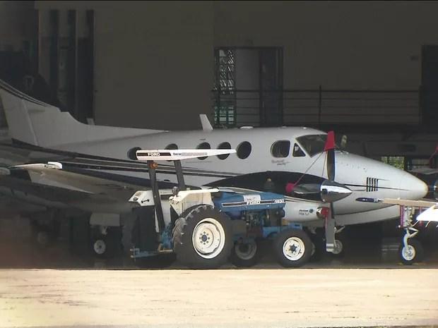 PF apreende R$ 116 mil com passageiros de jatinho em Brasília - GNews (Foto: Reprodução/GloboNews)