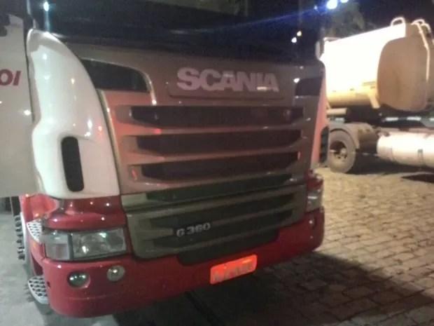 Carreta rouba com carga de R$ 200 mil em cobre é encontrada em Itatiba (Foto: Divulgação / PM)