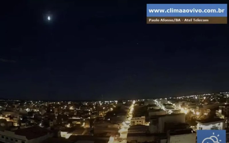 Meteoro foi visto em Paulo Afonso, norte da Bahia, em 19 de outubro — Foto: climaaovivo.com.br/Bramon
