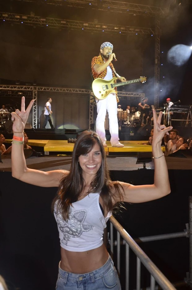 Talula no show do Chiclete (Foto: Fred Ponte/Divulgação)