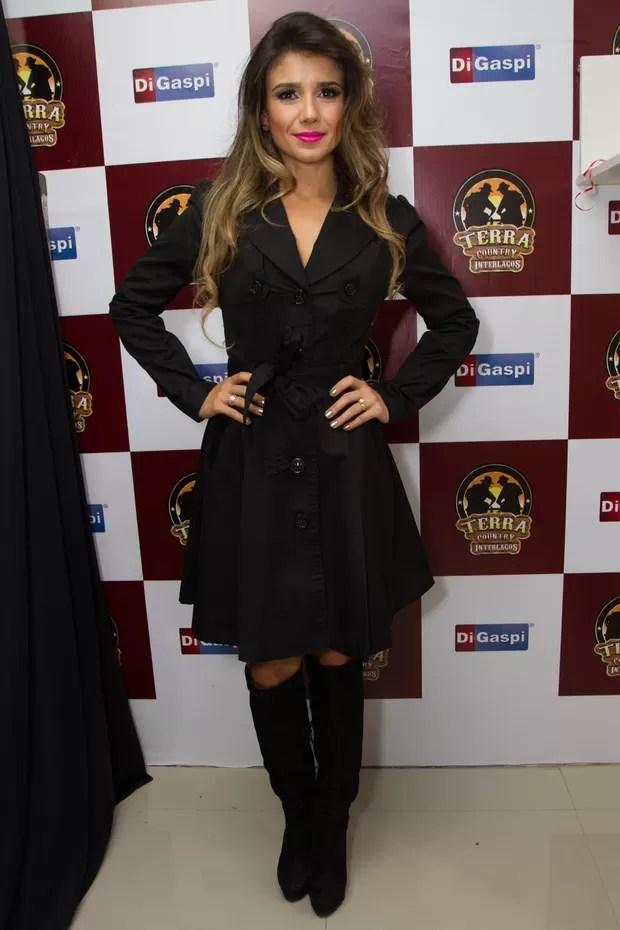 Paula Fernades ao chegar a show em SP na segunda, 20 (Foto: Marcelo Brammer/AgNews)