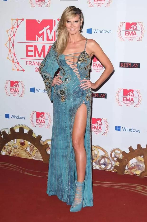 Heidi Klum e seu vestido de tirar o fôlego (Foto: Getty Images)
