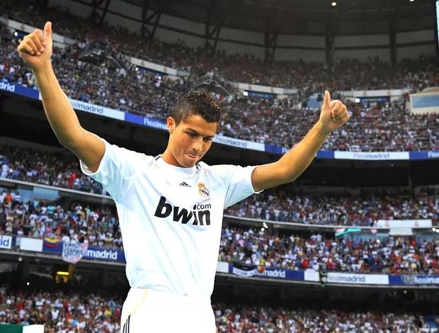 Cristiano Ronaldo apresentação Real Madrid 2009 (Foto: Getty Images)