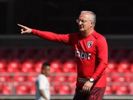 Dorival Júnior ainda aposta em Pratto para comandar a linha de frente do ataque tricolor (Foto: Rubens Chiri / saopaulofc.net)