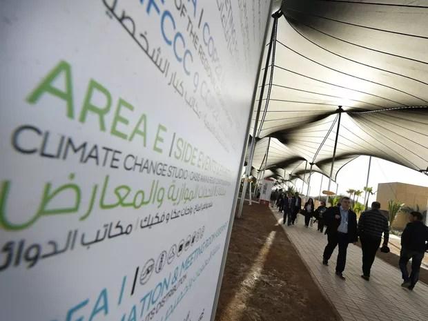 Particantes de fórum na COP 22 desembarcam em Marrakech, no Marrocos  (Foto: Mark Ralston/POOL/Reuters)