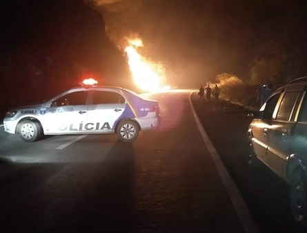 Acidente aconteceu no início da noite da terça-feira (24) em Gravatá (Foto: Reprodução/WhatsApp)