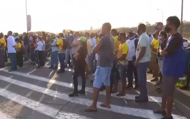 Retomada de trabalho acontece após negociações com o Sindicado dos Metalúrgicos — Foto: Reprodução/TV Bahia