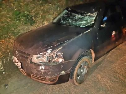 Carro que atingiu idoso em Trindade — Foto: Divulgação/ PRF