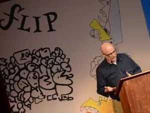 Agnaldo Farias fala durante a conferência de abertura da edição 2014 da Feira Literária de Paraty. (Foto: Flavio Moraes/G1)