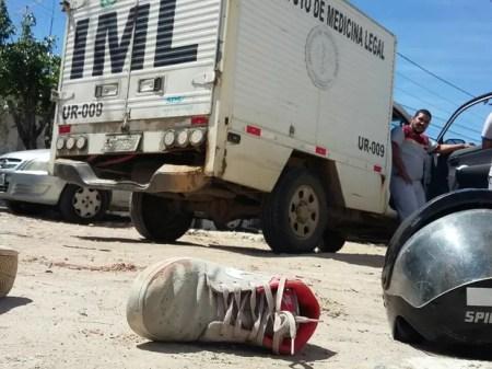 Tentativa de assalto terminou em morte na Imbiribeira, na Zona Sul do Recife (Foto: Marlon Costa/Pernambuco Press)