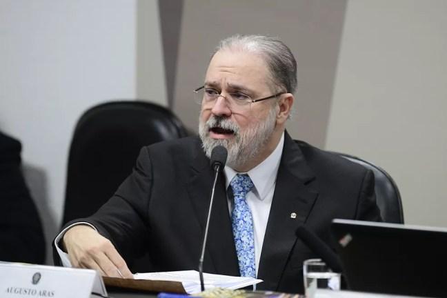 O subprocurador Augusto Aras durante sabatina na Comissão de Constituição e Justiça do Senado — Foto: Pedro França/Agência Senado