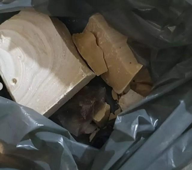 Pedras de crack foram apreendidas durante operação em Ouro Preto, RO — Foto: Polícia Civil/Divulgação