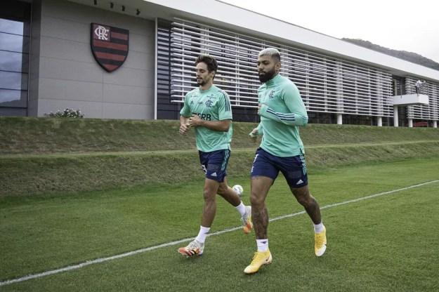Rodrigo Caio e Gabigol: atletas que tiveram problemas com lesões recentemente — Foto: Alexandre Vidal / Flamengo