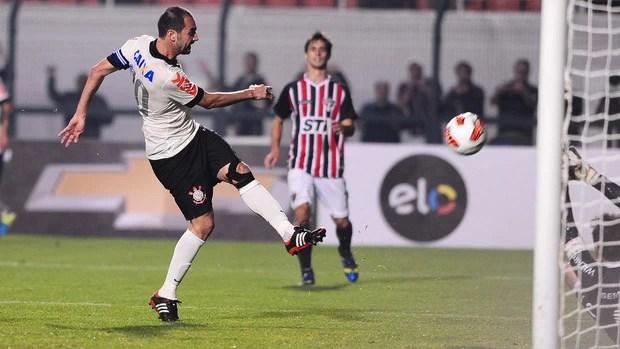 Danilo gol, Corinthians x São Paulo - final Recopa (Foto: Marcos Ribolli)