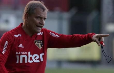 Diego Aguirre tem problemas para escalar o São Paulo (Foto: Rubens Chiri/saopaulofc.net)