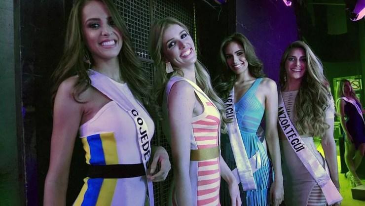Berço de numerosas ganhadoras de concursos de beleza, a Venezuela é conhecida internacionalmente por seus cirurgiões plásticos — Foto: AFP
