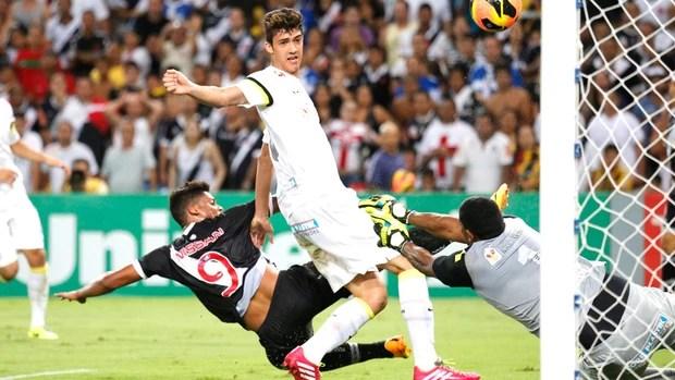 Aranha Vasco e Santos (Foto: Ivo Gonzales / Agência O Globo)
