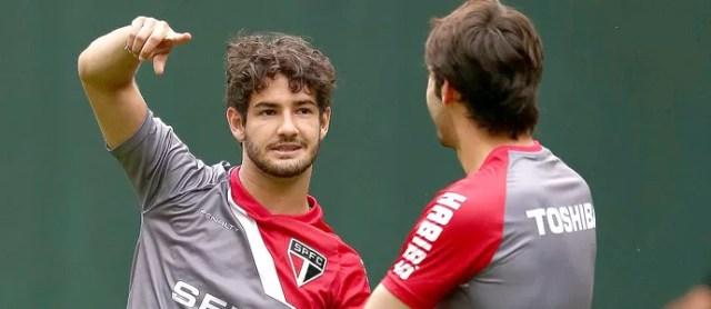 Kaká e Pato no treino do São Paulo (Foto: Marcos Ribolli / Globoesporte.com)
