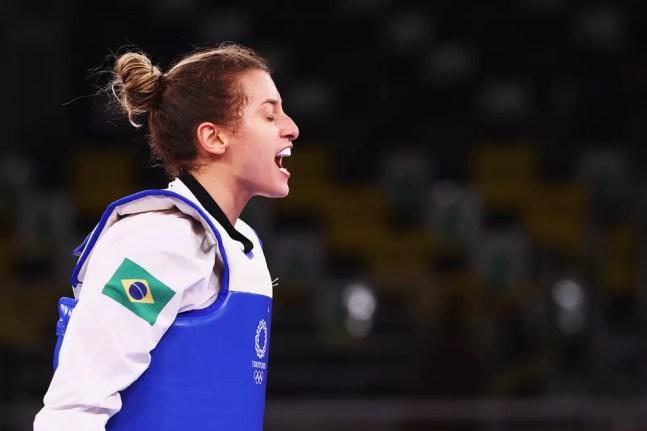 Milena Titoneli comemora vitória em Tóquio — Foto: Reuters
