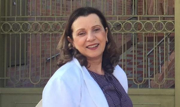 Maria de Lourdes é farmacêutica e começou a formular produtos sob demanda  (Foto: La Vertuan/Divulgação)