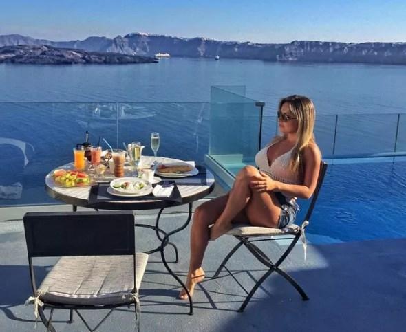Renatinha está curtindo dias de descanso na Grécia (Foto: Reprodução/Instagram)