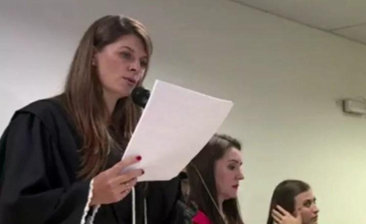 Juíza Sucilene lê o veredito do caso Bernardo — Foto: Reprodução/TJ-RS