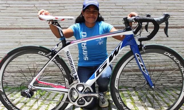 Luciene Ferreira com a sua nova bike