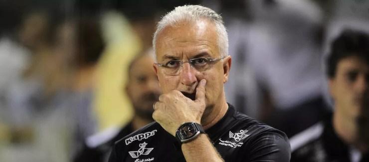 Dorival Júnior é o técnico com melhor aproveitamento à frente do Santos na era recente: 65%, entre 2015 e 2017 — Foto: Marcos Ribolli