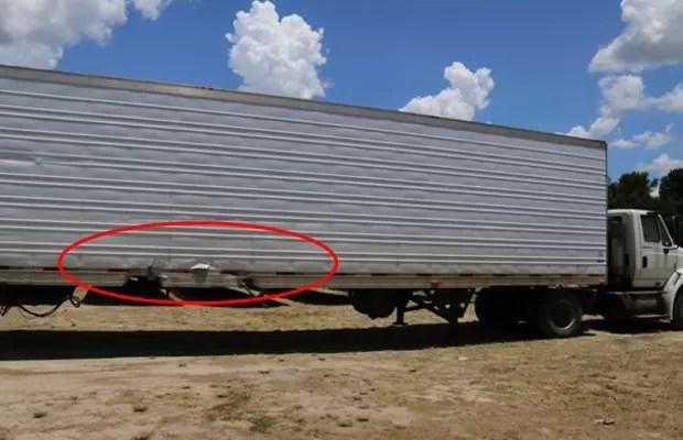 Caminhão atingido pelo Tesla Model S teve poucos danos; carro passou por baixo e ainda rodou por centenas de metros (Foto: Divulgação/NTSB)