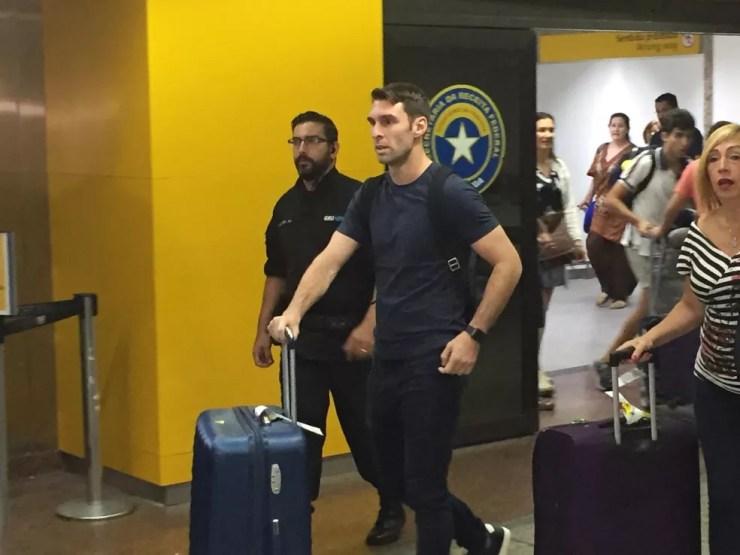 Boselli chega a Guarulhos para acertar com o Corinthians — Foto: Marcelo Braga