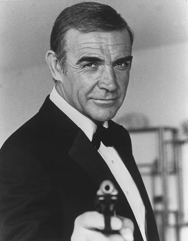 Sean Connery durante as filmagens de 007 - Nunca Mais Outra Vez  — Foto: Reprodução/AFP