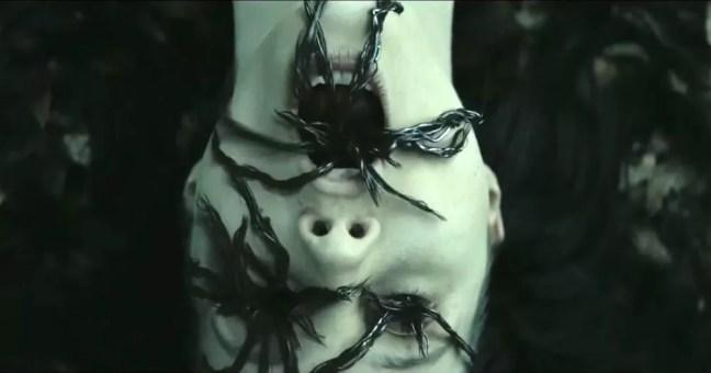 Julia Goldani Telles em cena de 'Slender Man: Pesadelo Sem Rosto' (Foto: Divulgação)