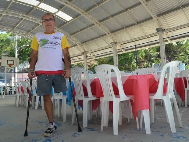 Roberto Mattos, de 61 anos, que aderiu ao projeto 'Voluntários do Sertão' em Santa Cruz Cabrália (Foto: Rodolfo Tiengo/G1)