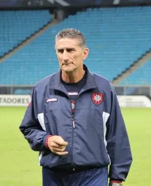 Edgardo Bauza, técnico do San Lorenzo (Foto: Diego Guichard)