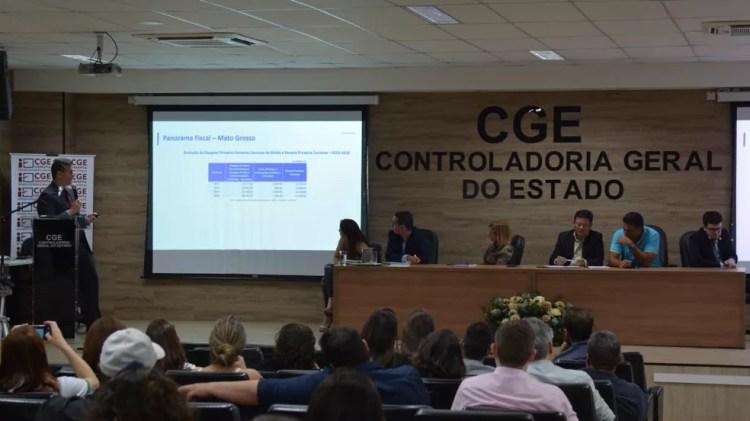 Os dados apresentados pela Sefaz apontam que o governo de Mato conseguiu reduzir em R$ 1.113,48 bilhão o déficit orçamentário para o ano de 2020, em comparação ao ano de 2019. — Foto: Flávio Costa/Sefaz-MT